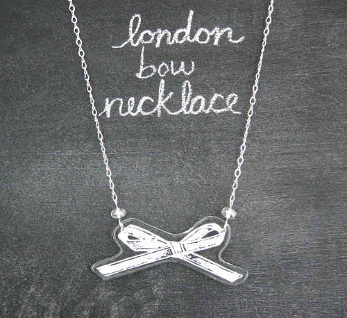 londown bow necklace