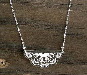 Bayeux Lace Necklace